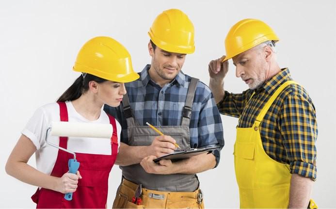 Строители выбирают стройматериалы